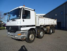 tipper truck > 7.5 t Mercedes-Benz Actros 3235 / 8X4 / TIPPER / FULL-STEEL / MANUAL / EURO-3 / 2002 2002