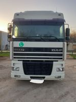 cab over engine DAF XF 95.430 4X2 tractor unit 2001