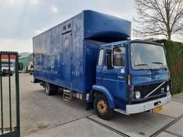 closed box truck Volvo f 610 1984