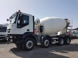 concrete mixer truck Iveco Trakker 410 AD 340 T 41 - TRAKKER 410 EEV 8x4 FRUMECAR 9m3 2011
