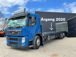 car transporter truck Volvo FM 330 platform year 2020 Rampe remote control and wince 2011