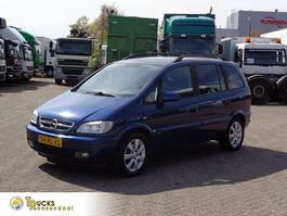 Kombinationskraftwagen Opel Zafira + Manual + Airco 2005