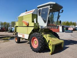 combine - harvester Claas Dominator 68s