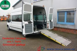 closed lcv Ford 125T300 6 Sitze & Rollstuhlrampe 1.Hand 2014