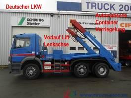 container truck Mercedes-Benz 2528 Tele autom. Verriegelung Deutscher LKW 2004