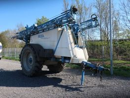 other agricultural attachment Inuma 6024 Professional Anängerspritze 2008