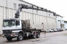 tipper truck > 7.5 t Mercedes-Benz Actros 3348 6x6 Kran Hiab377 BJ2007 Funk Leasing 1999