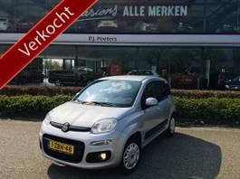 hatchback car Fiat Panda 0.9 TwinAir Lounge (door ons nieuw geleverd) (airco - mf lederen stuurwi... 2014