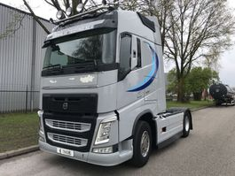 cab over engine Volvo FH500  euro 6 i shift  globe park cool 2015