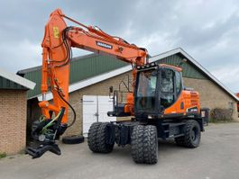 wheeled excavator Doosan DX160W-3 2015