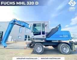 material handler Fuchs MHL 320 D 2011