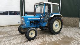 farm tractor Ford 4000