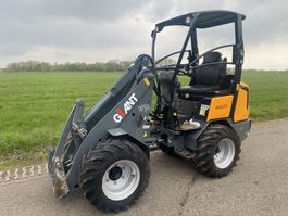 compact loader Giant 337T 2014