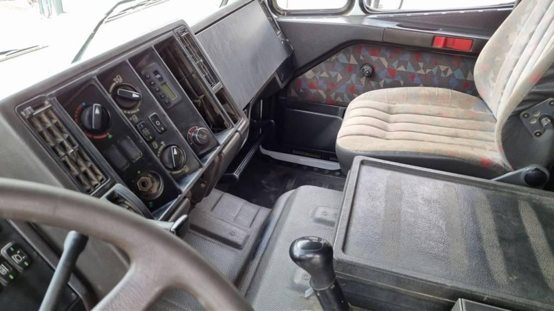 platform truck Mercedes-Benz SK 2538 L 6X2 stake body - V8 1995