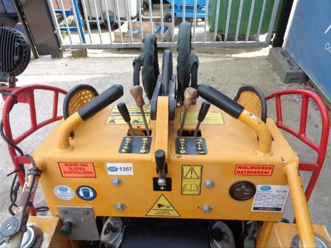 compact loader Diversen 100 2006