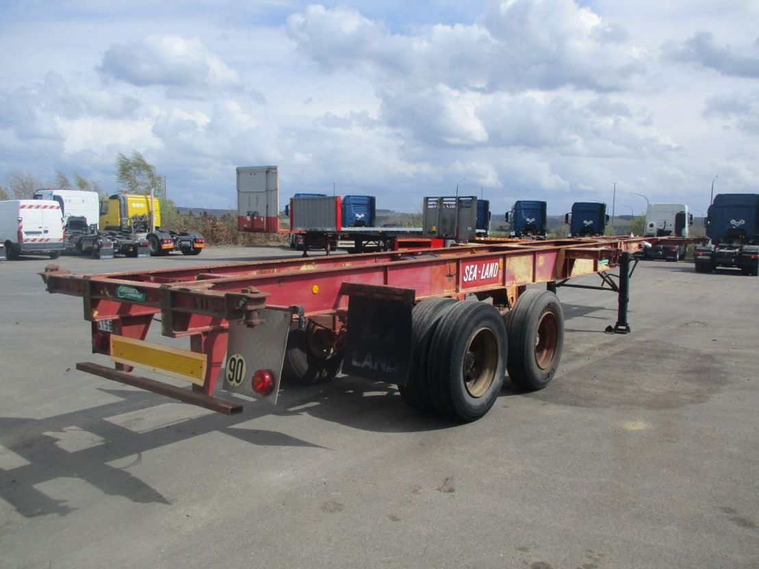 container chassis semi trailer Fruehauf container 2x20' - 1x40' 1974