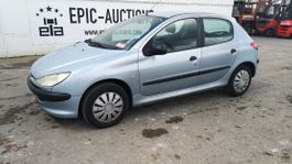 hatchback car Peugeot 206 XR 1.4i 2002