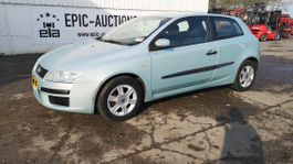 hatchback car Fiat Stilo 1.6i-16V Dynamic 2002