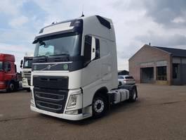 mega-volume tractorhead Volvo FH 460 Retarder 2014