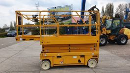 scissor lift wheeld Haulotte Compact 10 with low hours! 2007