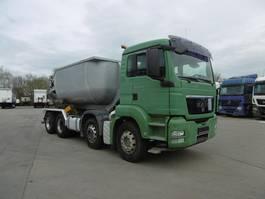 tipper truck > 7.5 t MAN TGS 02.2021 32.360 8x4 Beton Hochkipper Asphalt Rüttler 2009