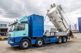 vacuum truck Volvo FM 420 420+ASPIRATRICE HUWAERT 14.000L+Pompe Neuf 1999