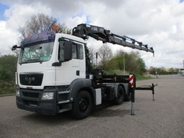 heavy duty tractorhead MAN TGS 33.400 BBS HIAB 422 XS E 5 EURO 4 2008