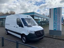 closed lcv Mercedes-Benz Sprinter 214 CDI L2H2 3 Zitplaatsen Achteropstap Betimmering 2018