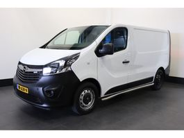 closed lcv Opel Vivaro 1.6 CDTI Zonnepanelen - Airco - Navi - Cruise - € 10.500,- Ex. 2015