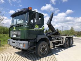 container truck MAN 33.414 6x4 2000