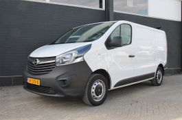 closed lcv Opel Vivaro 1.6 CDTI - Airco - Navi - Cruise - € 9.950,- Ex. 2015