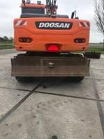 wheeled excavator Doosan