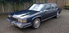 sedan car Cadillac cadillac De Ville. 8 Cil.automaat 1986