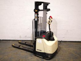pallet stacker Crown WF3000-1.0FT 2012