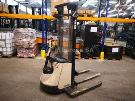 pallet stacker Crown ST3000-1.0 2005