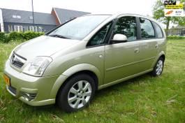 mpv car Opel Meriva 1.6-16V Cosmo airco trekhaak cruise control 2007