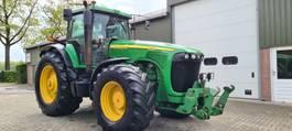 farm tractor John Deere 8520 2006