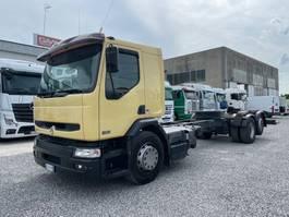 chassis cab truck Renault Premium 320 DCi 6x2 Euro3 2002