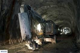 wheeled excavator Volvo EW230C Hjulmaskin. Tunnelrigget med brannslukkeran 2013
