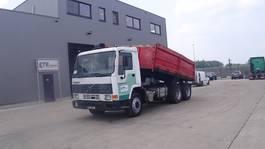 tipper truck > 7.5 t Volvo FL 7 - 260  (STEEL SUSPENSION / 6X4 / 10 TIRES / MANUAL PUMP  / MANUAL GEARBOX / EURO 2) 1995