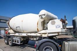 concrete mixer semi trailer Liebherr Mixer 12m³+Hulpmotor/Moteur Aux. 2002