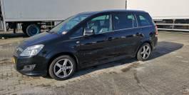 mpv car Opel 1.8 2011