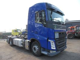 cab over engine Volvo FH 6x2 2013
