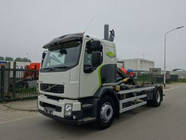 container truck Volvo FL EURO 5 / HOOKSYSTEM / LOW KM / KEURING / TUV / PERFECT CONDITION !! 2012