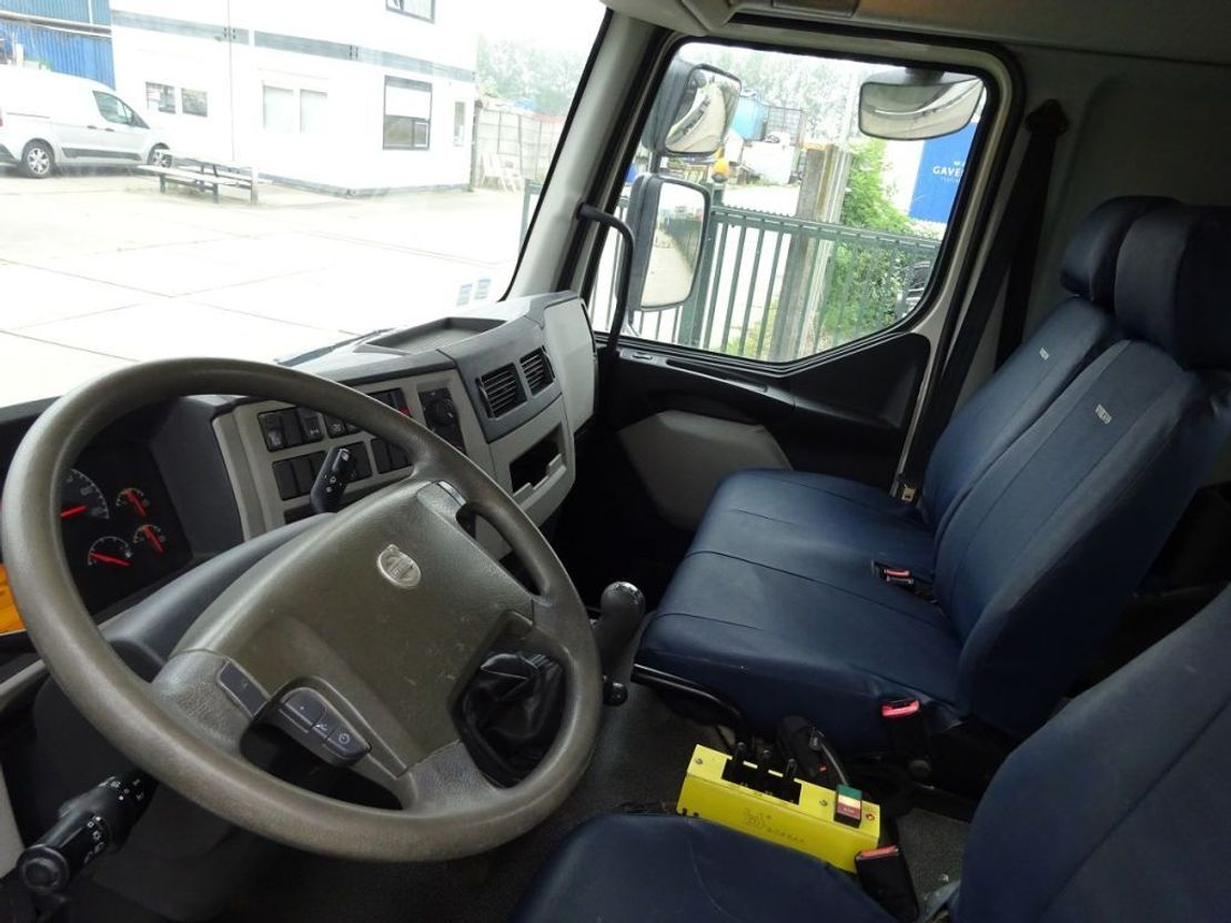 Container-LKW Volvo FL EURO 5 / HOOKSYSTEM / LOW KM / KEURING / TUV / PERFECT CONDITION !! 2012