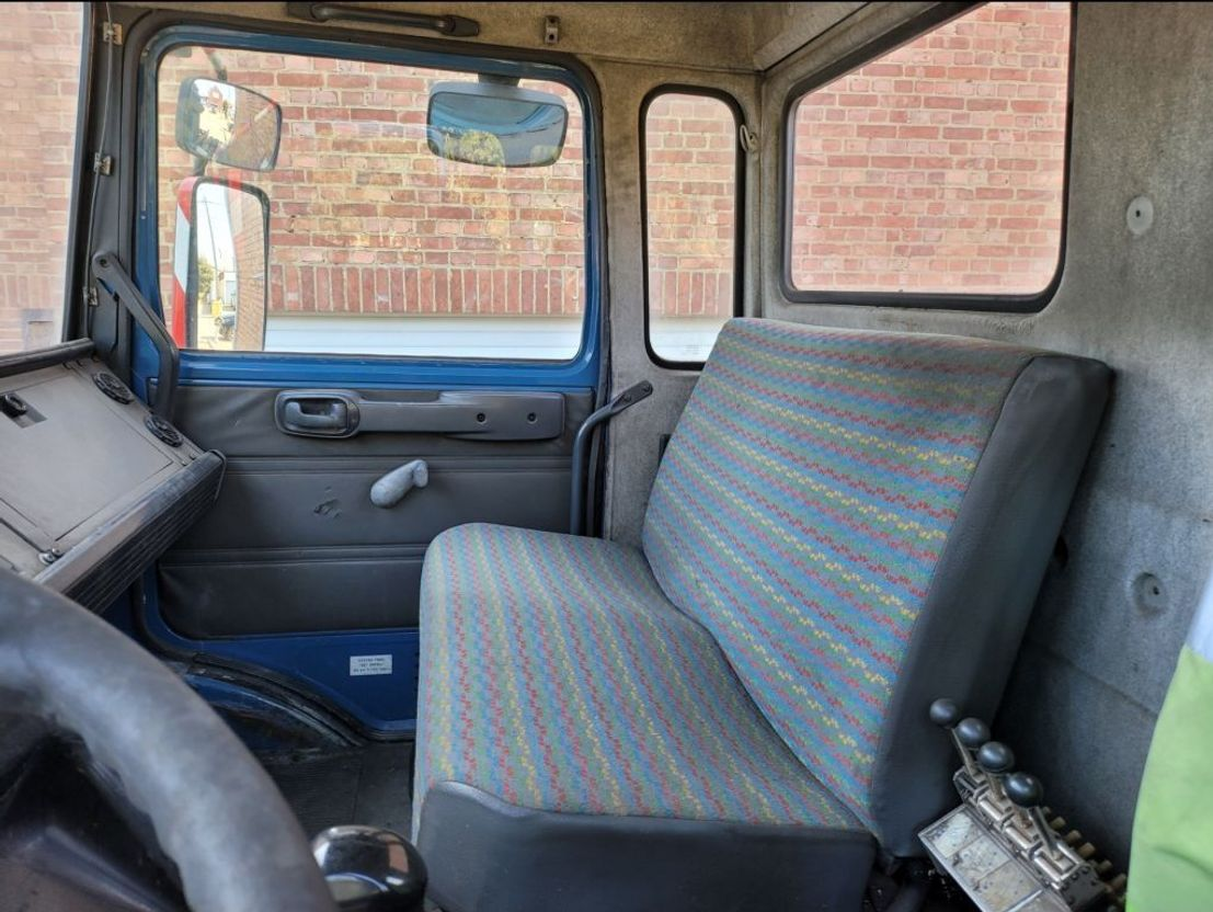 chassis cab truck Renault CBH 320 6X4 MANUAL GEARBOX 260.000KM FRENCH REGISTRATION 1996