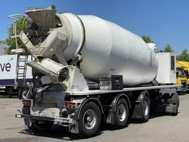 concrete mixer semi trailer Bulthuis 14m3 MIXER TRAILER / STUUR-ASSEN / DEUTZ MOTOR/ NWE APK 2012