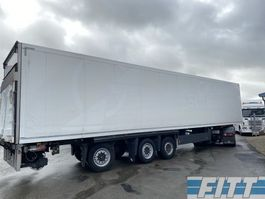 closed box semi trailer Schmitz Cargobull 3ass gestuurde geisoleerde oplegger met 3T achterklep ON38BS 2013