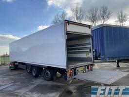 closed box semi trailer Schmitz Cargobull 3ass gestuurde geisoleerde oplegger met 3T achterklep ON37BS 2013