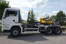 tipper truck > 7.5 t MAN 33.430 6x6 Abrollkipper Hyva 2020